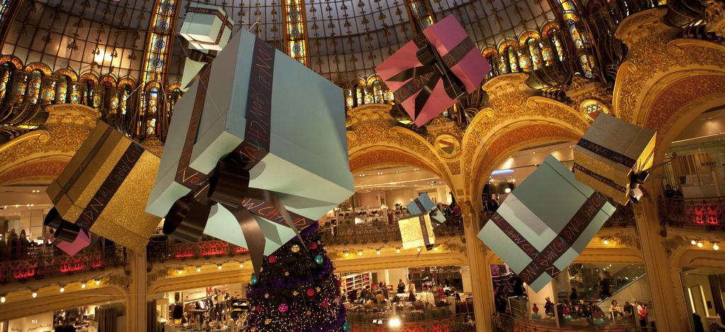 poner-decoracion-de-navidad